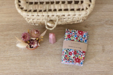 Un joli mouchoir, en imprimé aquarelle fleurs